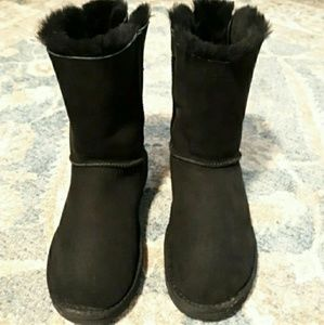 Ugg Bailey Bow 2 Size 9